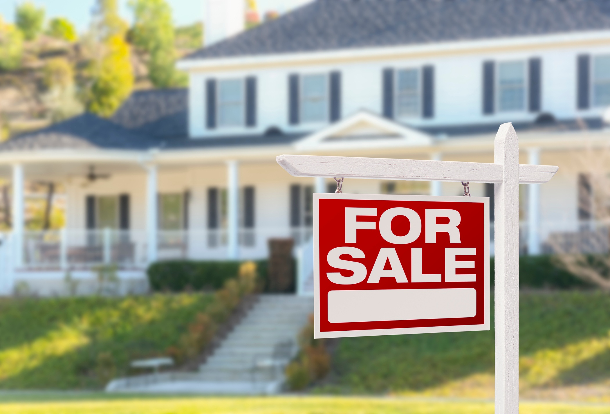 Why You Still Need a Real Estate Broker in the Internet Age